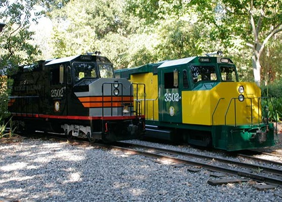 BJWRR Engine #2502 and Engine #3502